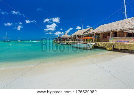 Palm beach at Aruba in the Caribbean Sea