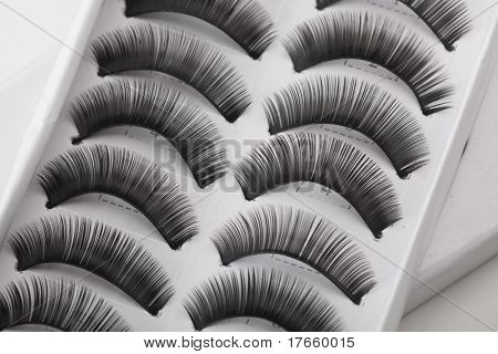 Set of false eyelashes in box