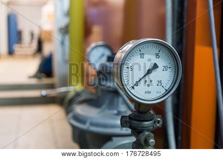 rate of gas pressure. zero pressure. close to the device