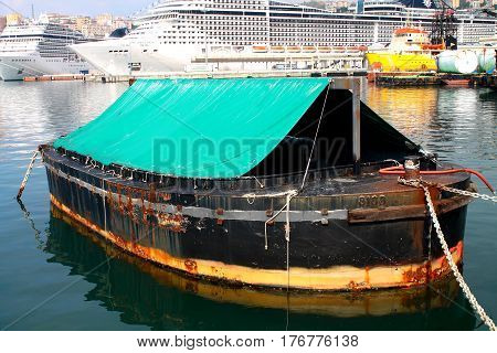 Barge for waste within the port of Genoa