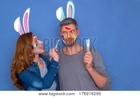 happy funny brush coloring easter couple