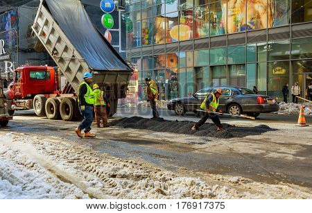 New York City - March 16, 2017: Paving The Way To New York In The Spring After The Snow Storm
