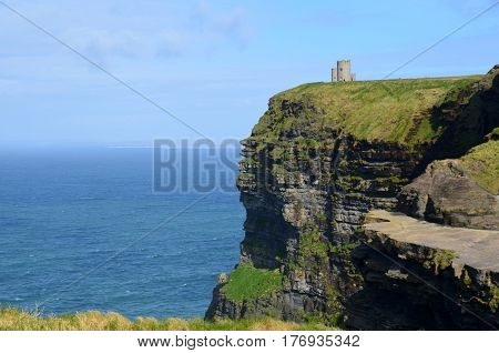 Beautiful view of O'Brien's Tower along the sea cliffs of Moher.