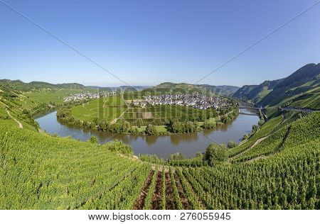Famous Moselle Sinuosity At  Leiwen Called Zummet Hights