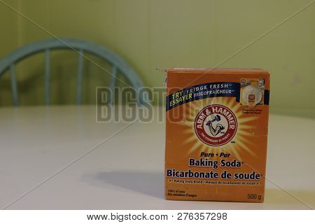 London, Canada - January 01 2019: Editorial Illustrative Photo Of A Container Of Arm And Hammer Baki