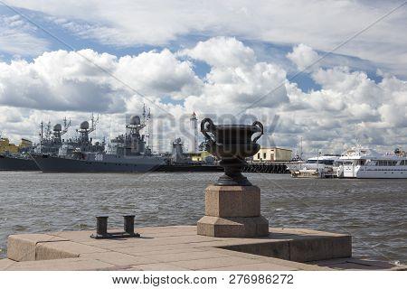 St. Petersburg, Russia - August 13, 2018: Petrovskaya Pier In Kronstadt Overlooking The Russian Nava