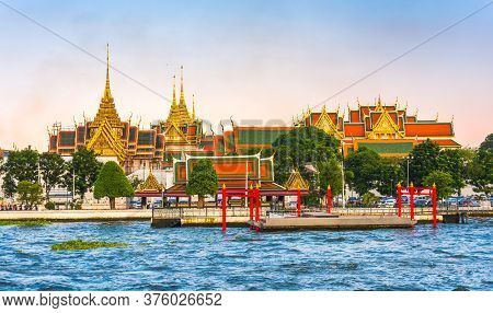 Grand Palace And Temple Of Emerald Buddha (wat Phra Kaew) In Bangkok, Thailand As Seen From The Boat