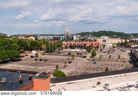 Pittsburgh, Pennsylvania, Usa 7/12/20 The Village Of Eastside Shopping Mall In The East Liberty Neig