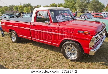 1969 Ford F100 Ranger Truck