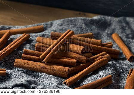 Raw Organic Cassia Cinnamon Sticks
