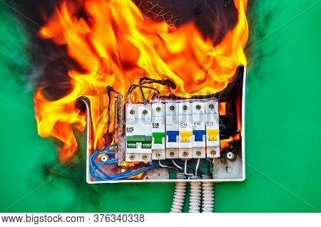 Short Circuit And Overload In Circuit Breakers Led To Electrical Fire. Ignition Hazard When Using Fa