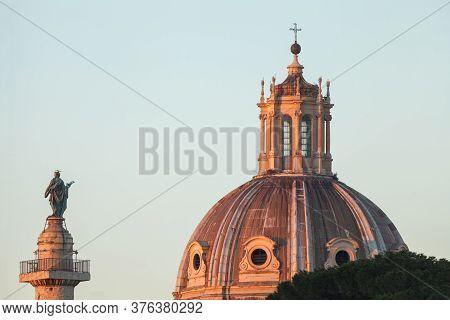 Palace Le Domus Romane Column Of Valentini Palace, Roman Forums, Rome, Italy