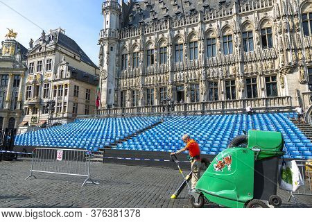 Brussels, Belgium - July 04, 2018: Morning Cleaning To The Grand Place In Brussels