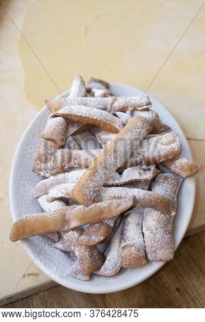 Mari Gras Fritters Spread Throughout Italy During The Carnival Period