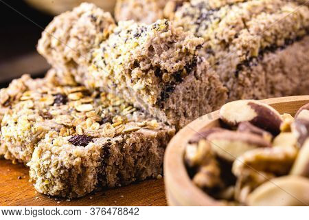 Sliced ​​vegan Bread, With Rolled Oats, Chia, Flaxseed And Chestnuts, Walnuts And Brazil Nuts. Healt
