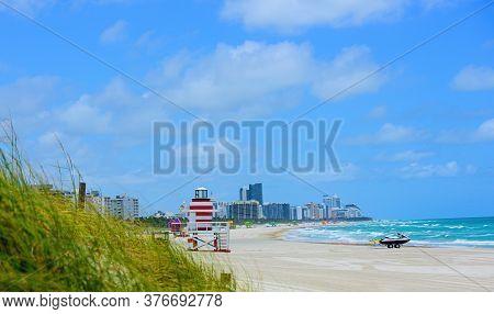 Miami Beach, Florida, Usa Sunrise And Life Guard Tower. Lifeguard Post On Miami Beach