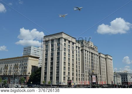 Moscow, Russia - June 24, 2020:simulated Air Refueling Of Il-78 And Tu-160 Aircraft In The Sky Over