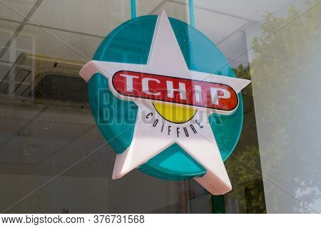 Bordeaux , Aquitaine / France - 07 07 2020 : Tchip Coiffure Logo Text Sign Shop Of Low Cost Discount