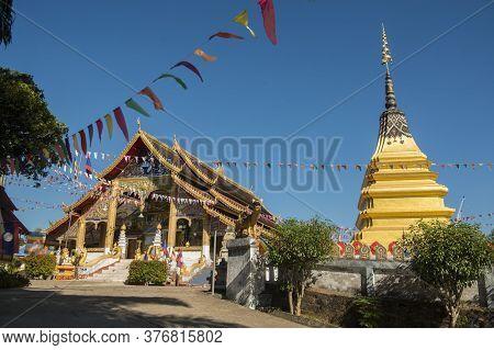 Lao Huay Xay Wat Chomkao Manilat Temple