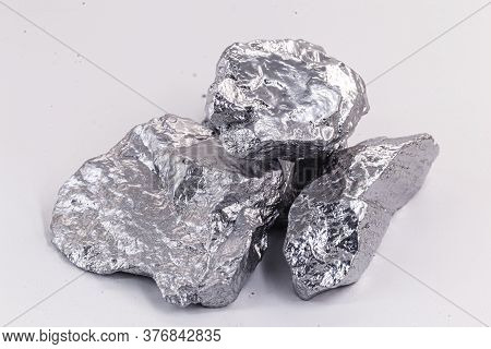 O Tantalum Or Tantalum. Chemical Element Used In Industry, Used In Metal Alloys.
