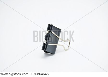 Black Heavy Duty Grip Paper Clip Use To Organize And Hold Pages Of Papers