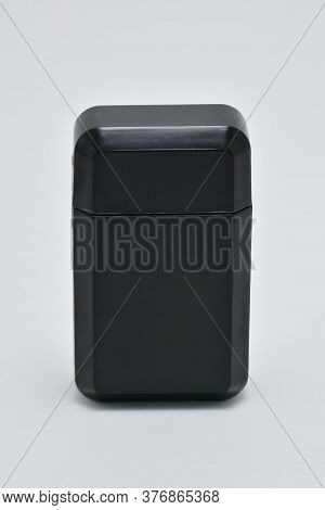 Black Lithium Ion Mobile Power Bank Use To Charge Phones