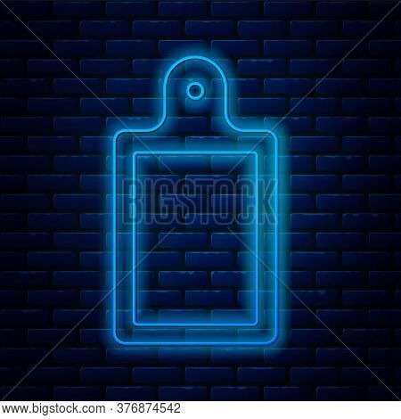Glowing Neon Line Cutting Board Icon Isolated On Brick Wall Background. Chopping Board Symbol. Vecto