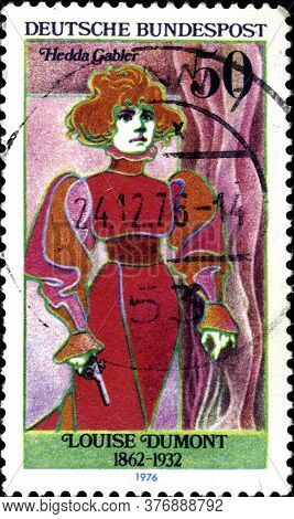 02 11 2020 Divnoe Stavropol Territory Russia The Postage Stamp Germany 1976 Famous Actresses Louise