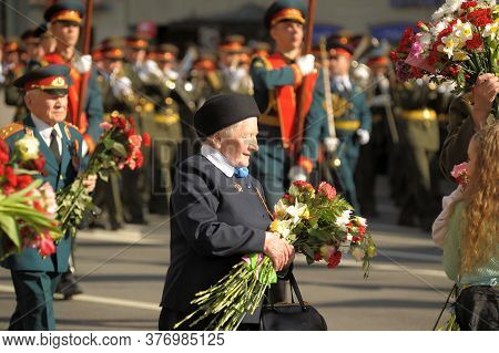 Russia, St. Petersburg 08,05,2012 Veterans And Blockade On The Victory Parade On Nevsky Prospect