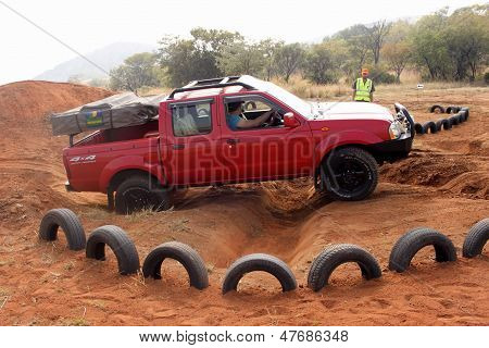 Nissan Hardbody On 4X4 Course
