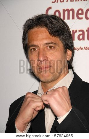 Ray Romano at the International Myeloma Foundation's 3rd Annual Comedy Celebration for the Peter Boyle Memorial Fund, Wilshire Ebell Theater, Los Angeles, CA. 11-07-09