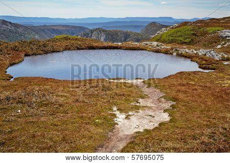 Alpine Lake In Cradle Mountain - Lake St. Clair National Park, Tasmania