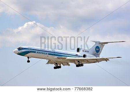 Alrosa Tupolev Tu-154M
