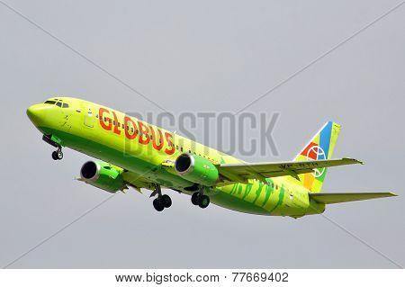 Globus Boeing 737
