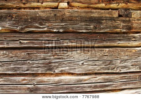 Traditional Log Home Wall Detail