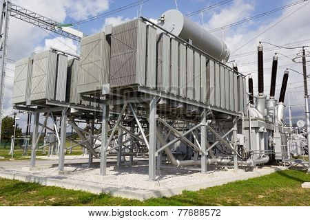 Phase Shifting Transformer