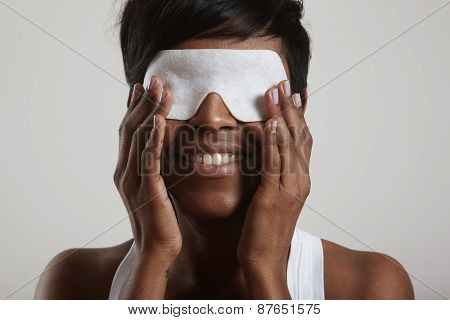Facial Treatment. Eye Mask