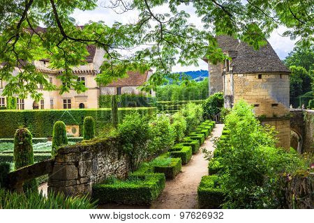 beautiful castles and gardens of France, Dordogne region