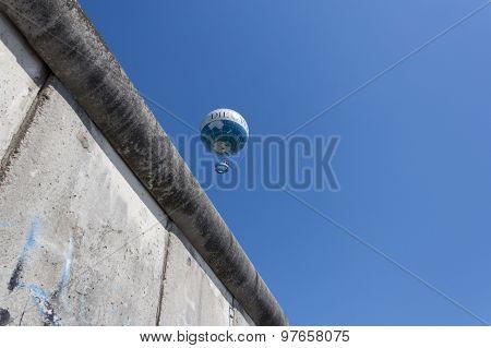 berlin wall, germany , blue sky, hot air balloon