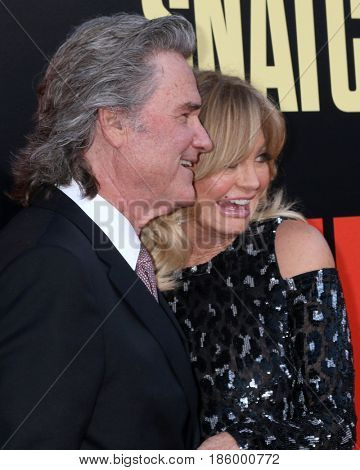 LOS ANGELES - MAY 10:  Kurt Russell, Goldie Hawn at the