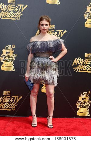 LOS ANGELES - MAY 7:  Holland Roden at the MTV Movie and Television Awards on the Shrine Auditorium on May 7, 2017 in Los Angeles, CA