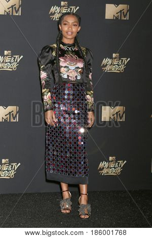 LOS ANGELES - MAY 7:  Yara Shahidi at the MTV Movie and Television Awards on the Shrine Auditorium on May 7, 2017 in Los Angeles, CA
