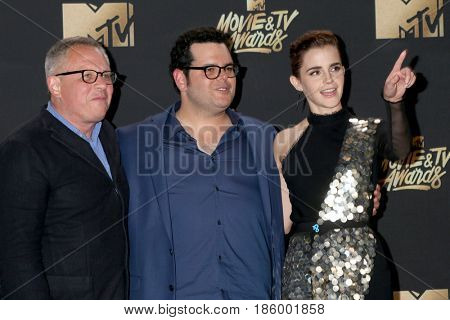 LOS ANGELES - MAY 7:  Bill Condon, Josh Gad, Emma Watson at the MTV Movie and Television Awards on the Shrine Auditorium on May 7, 2017 in Los Angeles, CA