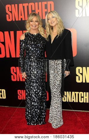 LOS ANGELES - MAY 10:  Goldie Hawn, Kate Hudson at the