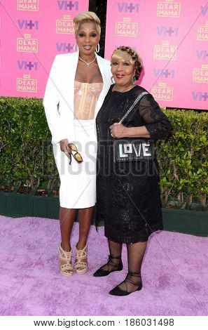 LOS ANGELES - MAY 6:  Mary J Blige, mother at the VH1`s 2nd Annual Dear Mama: An Event To Honor Moms on the Huntington Library on May 6, 2017 in Pasadena, CA