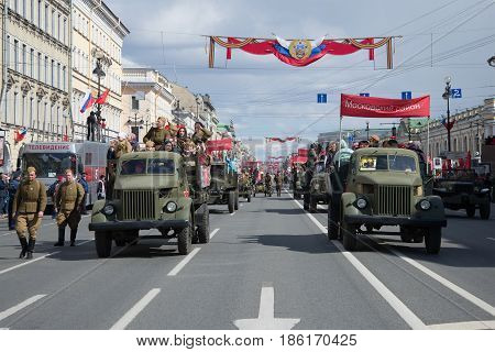ST. PETERSBURG, RUSSIA - MAY 09, 2017: A retrotransport parade in honor of the Victory Day on Nevsky Avenue