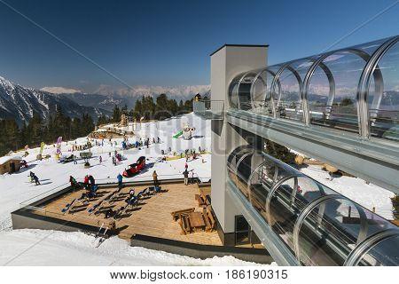 Hochoetz Mountain Station, Austria, Editorial