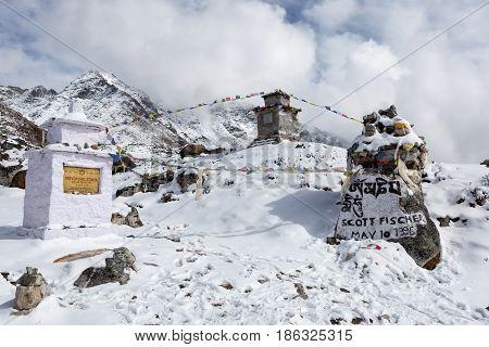 Everest Base Camp Trek/nepal - October 30, 2015: Memorial Chortens To Honour Expedition Leader Scott