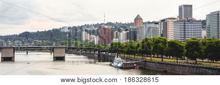 Panorama of the Wlilamette River and Portland's downtown district. Portland Oregon USA.