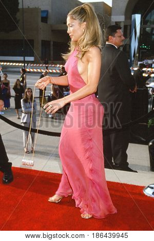 LOS ANGELES - APR 16:  Jennifer Lopez at the Fifth Annual ALMA Awards at the Pasadena Civic Auditorium on April 16, 2000 in Pasadena, CA